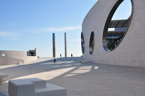 Event transports: Champalimaud Research Symposium